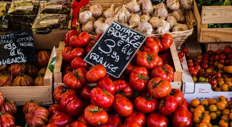 Fresh food at farmer's market